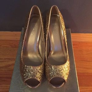 Gold Glittery Shoes!