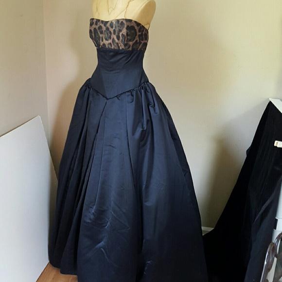 98 off vera wang dresses skirts vera wang 18k ball for How to ship a wedding dress usps