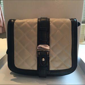 Black and white Zara handbag, in good condition.