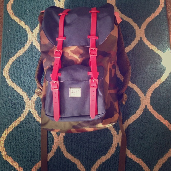 Herschel Supply Company Handbags - SOLD//Herschel Supply Co little America Backpack