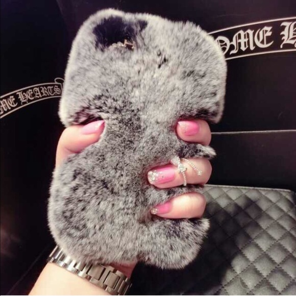 newest e758a c7a22 iPhone 6 Plus / 6s Plus Fur Case 🎈 Gray 🎈✨ NWT