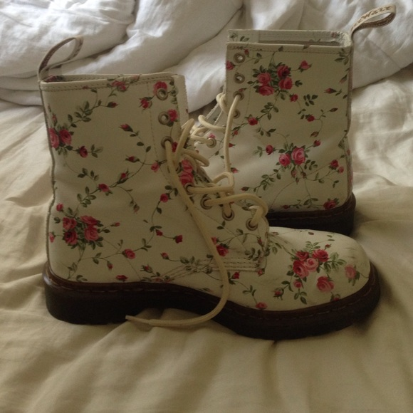 Dr martens shoes white with pink flowers doc martins poshmark white with pink flowers doc martins mightylinksfo