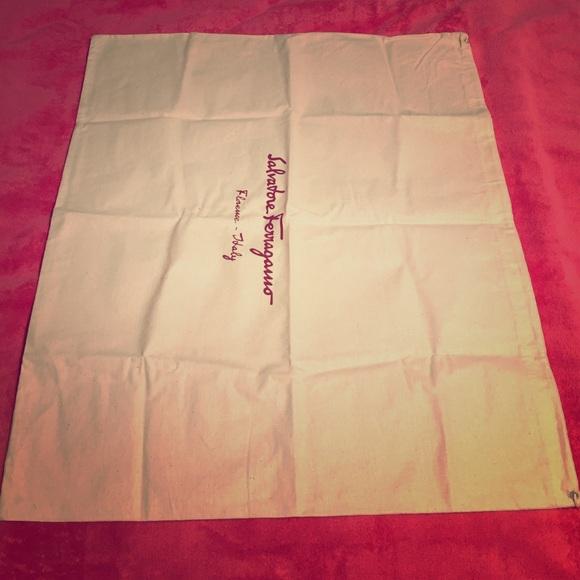 390a67c2ca37 ... Salvatore Ferragamo dust bags. M 562c64b8afcd0ea7c500b43a