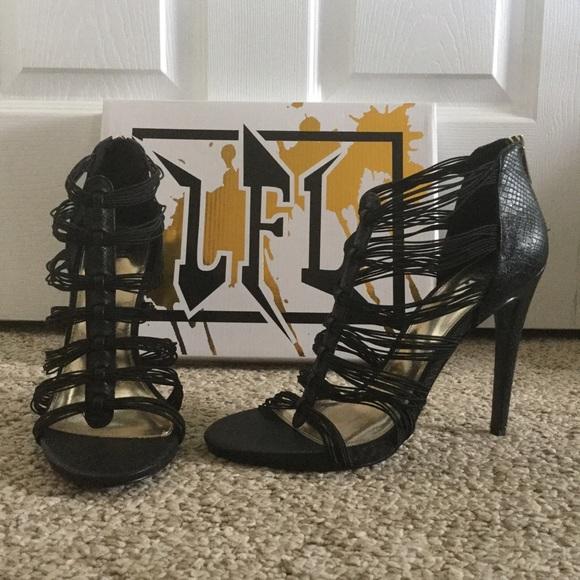 LFL Shoes - 💕🌺 LFL Strappy Zip Back Heels In Black 🌺💕