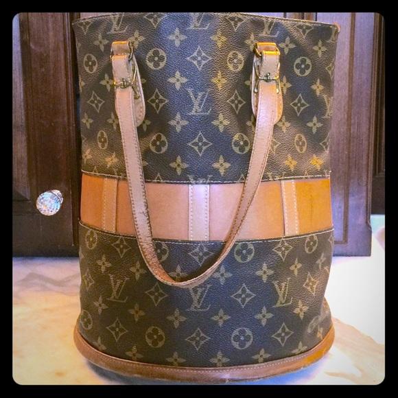 Louis Vuitton Handbags - AUTHENTIC 70 s VINTAGE LOUIS VUITTON BUCKET BAG 46321a31ba660