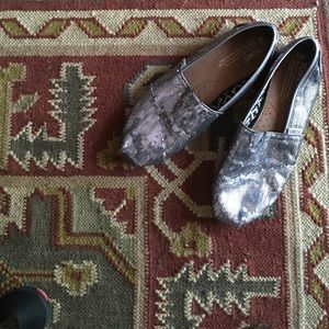TOMS sequined dark grey flats