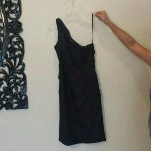 Dresses & Skirts - Little black dress in silk material