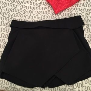 Zara skort super cute