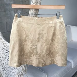 Gold textured mini skirt