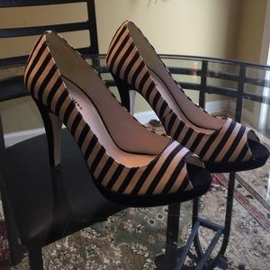 """Shoes - New Black and white striped peep toe 5"""" heels"""