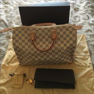 Louis Vuitton Handbags - 100% Authentic Louis Vuitton Speedy 35