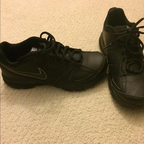 Nike Zapatillas Antideslizante De Deporte Zapatos Negro Antideslizante Zapatillas Poshmark 26131c
