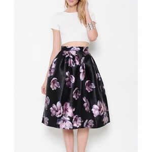 "LOWEST 💜 ""The Beauteous Flower"" Flare Midi Skirt"