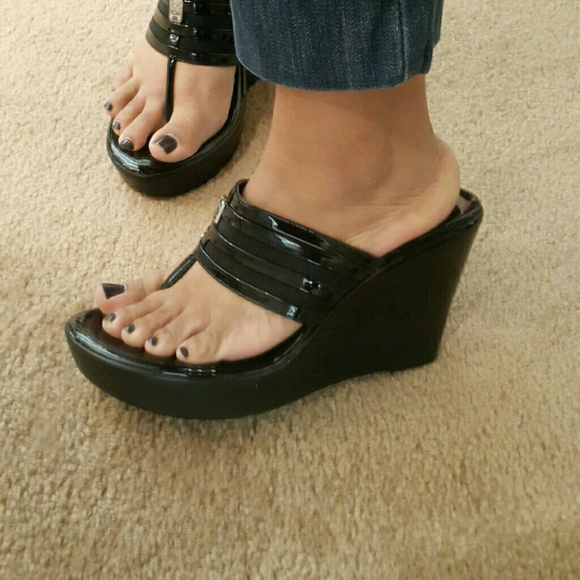 84 bcbg shoes beautiful wedge sandals bcbg from