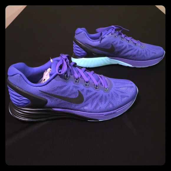 online store 2dfbb 3b27a NEW in box Nike Lunarglide 6 Size 8