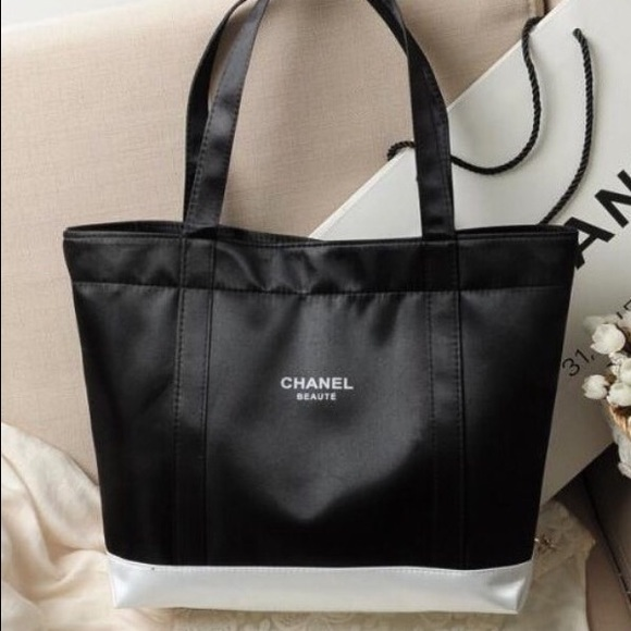 620c71b7913f CHANEL Bags   Beaute Shopping Tote Price Is Firm   Poshmark
