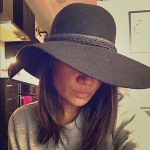 Bebe wide brimmed wool hat