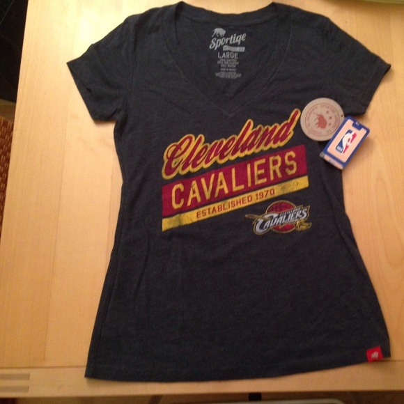 official photos 6f181 55dbc Official NBA Cleveland Cavaliers women's t-shirt! NWT