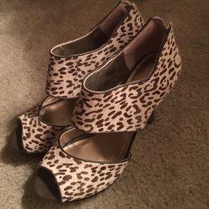 Leopard print bcbg generation heels