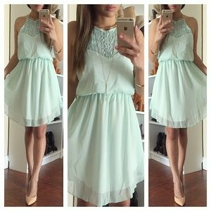 Dresses & Skirts - Mint backless dress