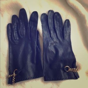 Accessories - Wear this winter in style!  Black leather gloves!