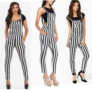 Other - Trendy overalls