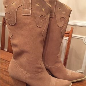 Luichiny - tan suede boots