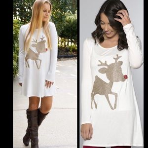 🎄🎉HOLIDAY SALE🎉🎄Gold Reindeer Holiday Tunic❤️