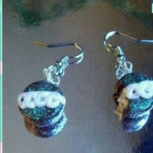 Jewelry - Debbie cake earrings