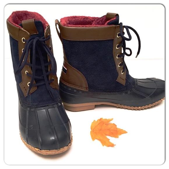 c991710ef90e4b Brand New Tommy Hilfiger Roberta Duck Boots- Navy.  M 562f79726ba9e6127901ee7f