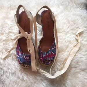 Retro print espadrille wedges.