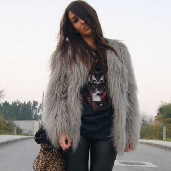 61f9b032e5 ZARA faux fur jacket