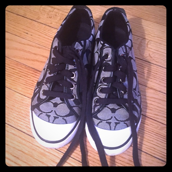 75 coach shoes coach sneakers black and white from