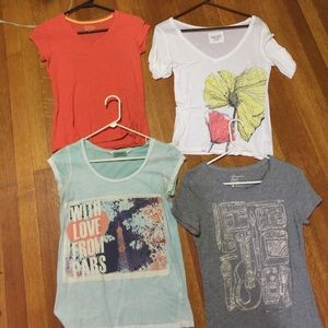 Tops - T shirts