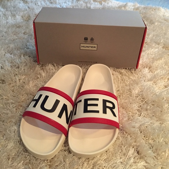 5e739acd9 Hunter Shoes | Nwt Slides Sandal In Size 7 | Poshmark
