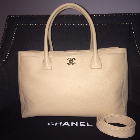 c6dc77c66266b9 CHANEL Handbags - Authentic Chanel Executive Cerf. Tote Beige