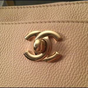 8a3392e62ce CHANEL Bags   Authentic Executive Cerf Tote Beige   Poshmark