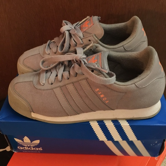 online store b584f f5557 Adidas Shoes - Women s Adidas Samoa