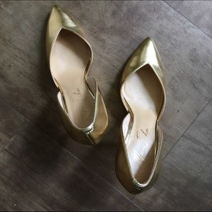Marc Fisher Shoes - 💕HOST PICK💕Gold metallic heels pumps Marc Fisher