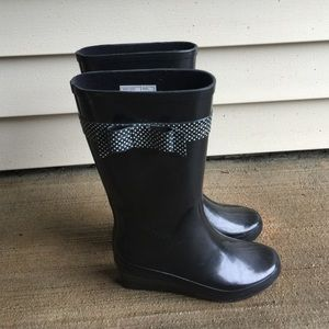 Shoes - Wedge Rain Boots with Polka Dot Bows!🌧