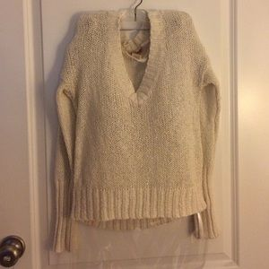 Mudd White sweater size M, great condition