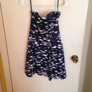 H&M Dresses & Skirts - H&M Strapless Dress