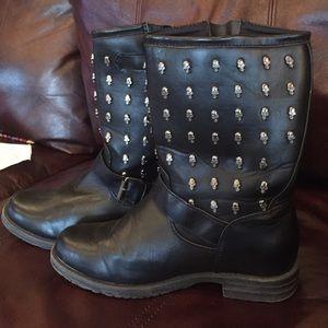 Skull black boots