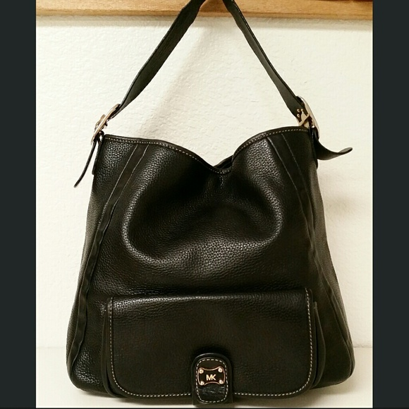 1e2e0fbccb660b MICHAEL KORS Pebbled Leather Black Hobo Bag. M_56311dfbbf6df5248a002197