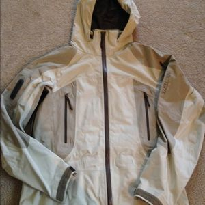 23d85aa87c8 Arc'teryx Jackets & Coats - Arc'teryx Stingray Gore-Tex Softshell Jacket