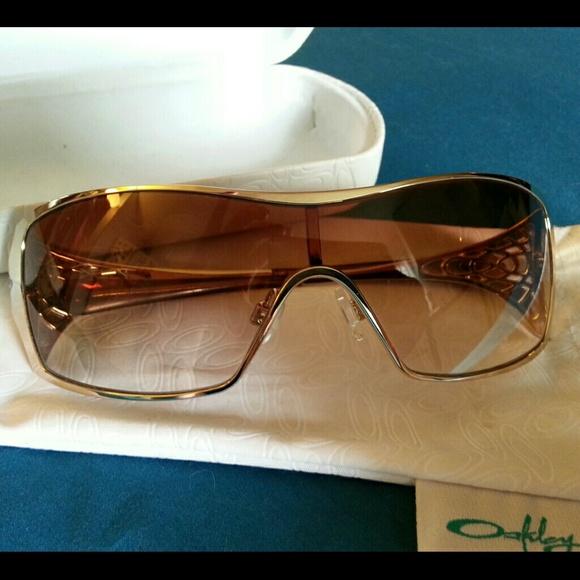 70440738f8c6 Oakley Accessories | Womens Dart Sunglasses Final Price | Poshmark