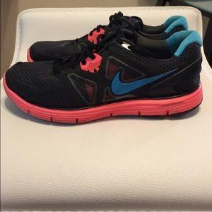 Nike lunarglide running sneakers