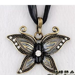 Jewelry - butterfly Necklace 😍