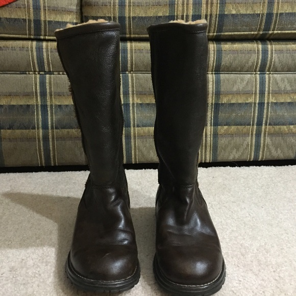 UGG AUSTRALIA BROOKS TALL LEATHER BOOTS Size 7