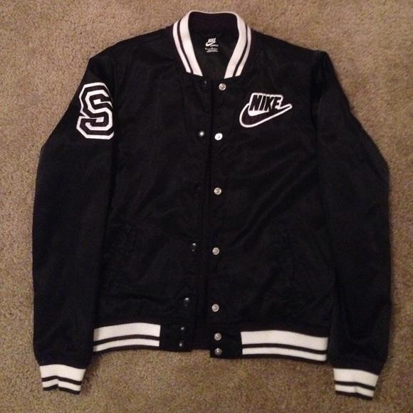 786226c5cd10 Nike Sportswear Bomber Jacket. M 5631d7f7f0137d9793003a87